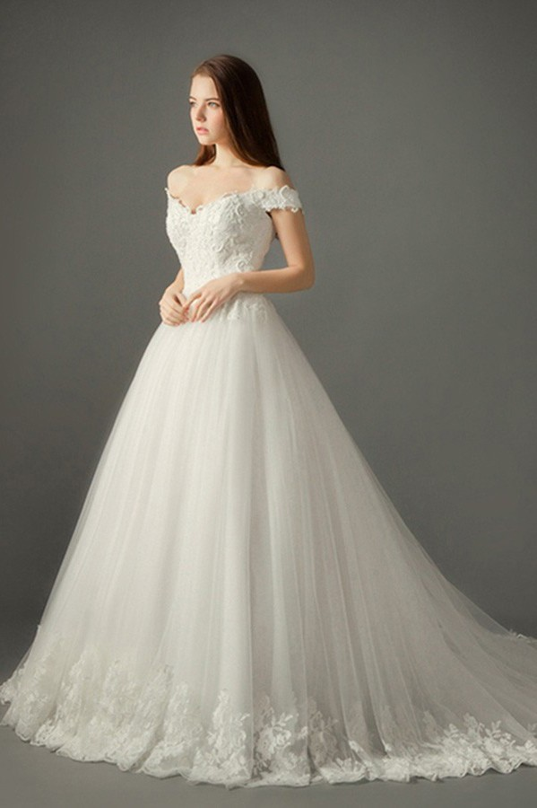 Beautiful Ball Gown Off The Shoulder Tulle Lace Wedding Dress With Long Train