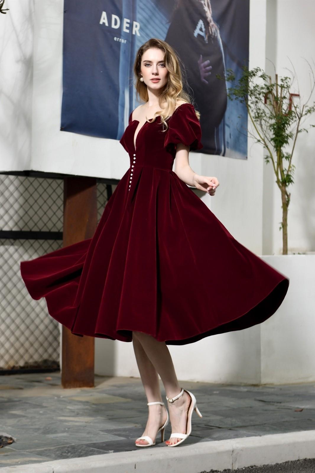 Lovely Knee Length Burgundy Velvet Prom Evening Dress Illusion Neckline Short Sleeves