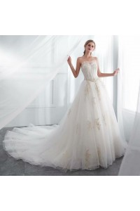 Stunning Ball Gown Sweetheart Corset Ivory Lace Tulle Wedding Dress With Champagne Appliques