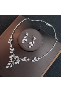 Gorgeous Diamond Leaf Women's Jewelry Set Including Necklace, Earrings