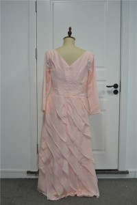 Modest Plus Size Tiered Prom Party Dress V Neck Long Sleeves Pink Chiffon With Flower