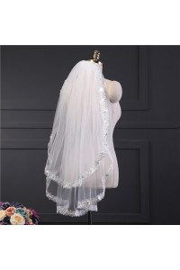 Charming Two tier Tulle Lace Wedding Bridal Fingertip Veil With Comb
