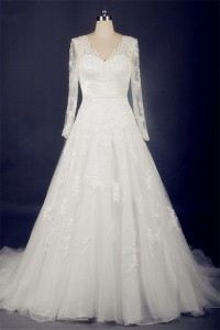 Classic A Line Scalloped Neck Long Sleeve Organza Lace Wedding Dress