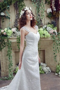 Fitted Sweetheart Lace Straps Wedding Dress