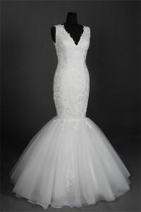 Mermaid V Neck Sleeveless Lace Tulle Wedding Dress Lace Up Back