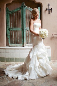 Romantic Mermaid Strapless Organza Ruffle Wedding Dress With Buttons