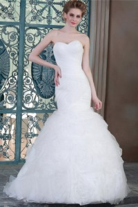 Romantic Trumpet Mermaid Sweetheart Ruched Organza Ruffle Wedding Dress Corset Back