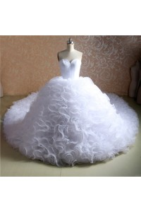 Stunning Ball Gown Sweetheart Organza Ruffle Wedding Dress With Long Train