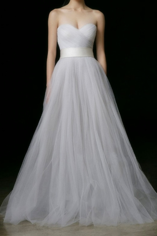 simple plain tulle wedding dress