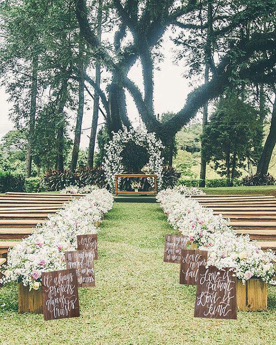 outdoor wedding walkway